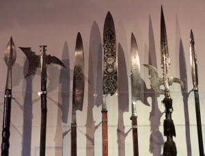 Pikes, halberds, and glaives (16th to 17th-century AD)