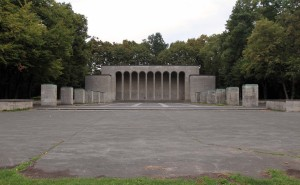 """The Hall of Honor (""""Ehrenhalle""""), built in 1929 AD to commemorate the 9,855 Nuremberg soldiers killed in World War I."""