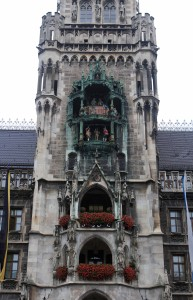 The Rathaus-Glockenspiel (on the tower of the New Town Hall), which chimes and re-enacts two stories from the 16th-century AD everyday at 11:00.