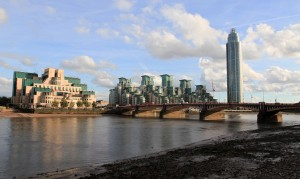 The headquarters of the British Secret Intelligence Service (SIS, MI6) and Vauxhall Bridge over the River Thames.