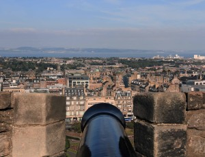 Cannon facing the Firth of Forth from the castle's Argyle Battery.