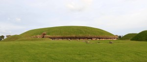 The Knowth monument, another Neolithic passage tomb site at Brú na Bóinne.