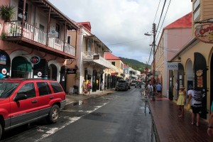 Dronningens Gade (a popular shopping street) in Charlotte Amalie.