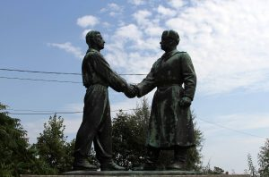 Hand-shake at Hungarian-Soviet Friendship Memorial.