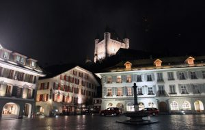 Rathausplatz and Thun Castle at night.